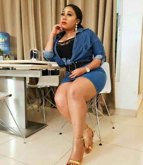 Moyo Lawal reacts to fan who insult her over her physical attributes