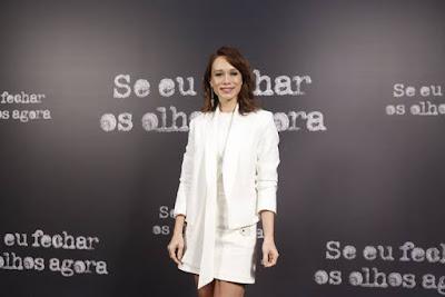 Exuberante e toda de branco, Mariana Ximenes é 'Adalgisa', mulher do personagem vivido por Gabriel Braga Nunes