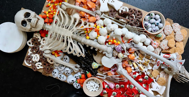 how to create a Halloween dessert board