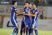 NÓNG: Trợ lý HLV từng đến bệnh viện C Đà Nẵng, CLB V.League phải cách ly toàn bộ đội bóng