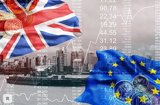 Британский фунт уязвим на фоне политической нестабильности