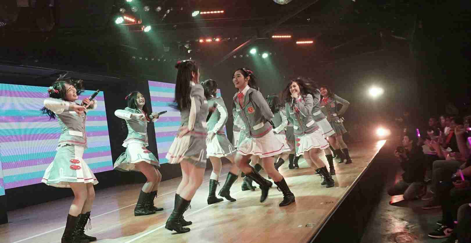 snm jkt48 seifuku no me theater panggung