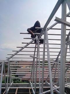 Instalasi Pemasangan Rangka Atap Baja Ringan