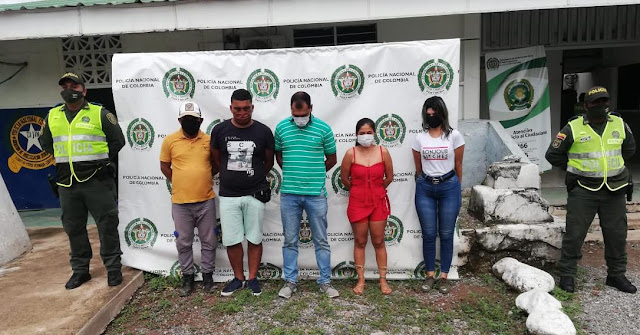 Cinco capturados por ingerir licor en un establecimiento comercial