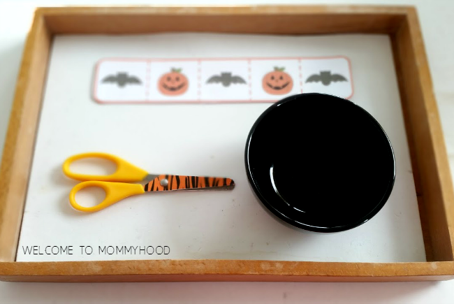 Halloween preschool activities: free cutting strips for preschoolers #preschoolactivities, #montessori, #homeschool, #homeschoolactivities, #totlabs