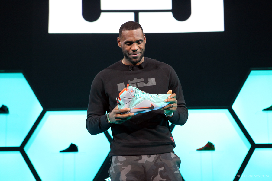 finest selection e5b54 0b1df Nike Life Time Deal With Lebron James Is Said To Be Worth More Than 1 Billion  Dollars