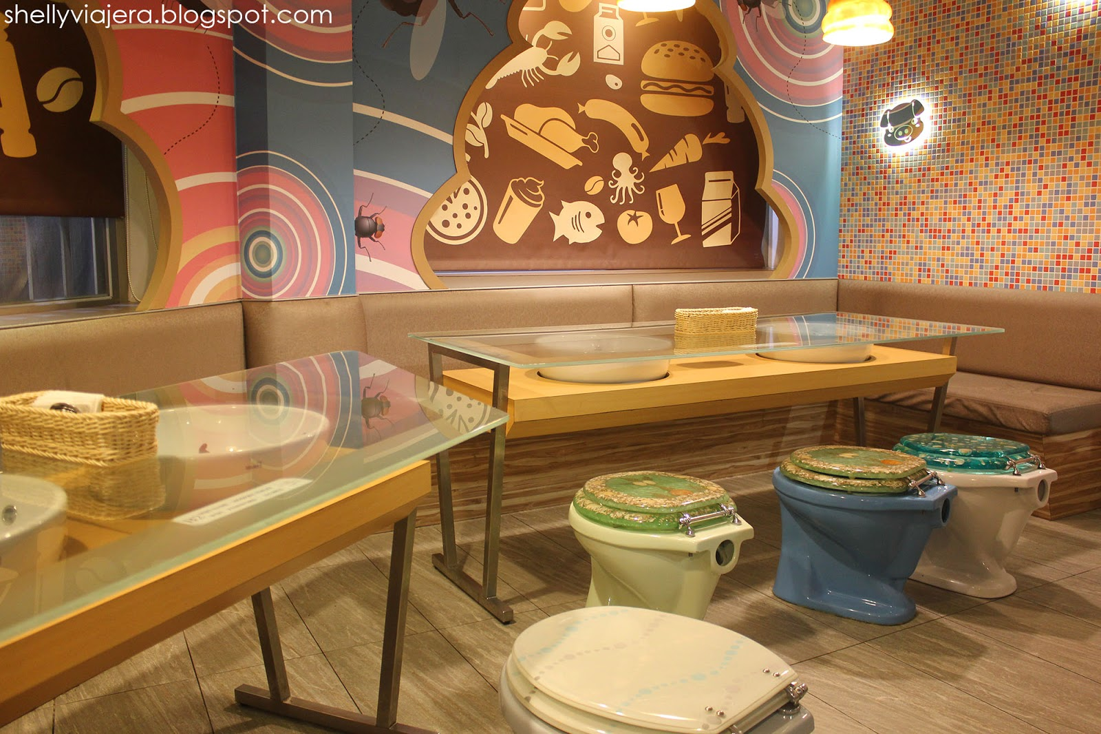 when in taiwan: modern toilet restaurant ~ shelly viajera travel blog