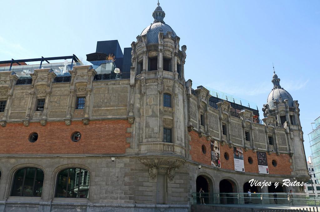 La Alhondiga o Azkuna Zentroa de Bilbao