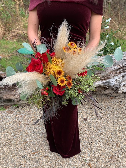 Fall Wedding - Bridesmaid bouquet with pampas grass