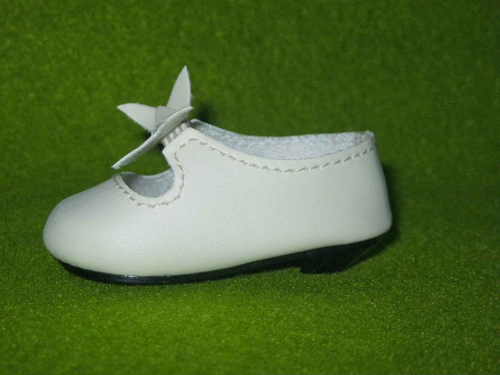 Tiny Heel Shoes