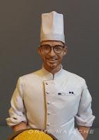 statuette ritratto action figure personalizzate su commissione modellino ragazzo con cappello da cuoco orme magiche