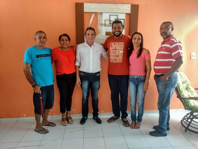 Prefeito Tema é convidado para café da manhã com pastor Jelmes luz Carvalho e sua esposa Silvana Soriano Da Igreja Batista.