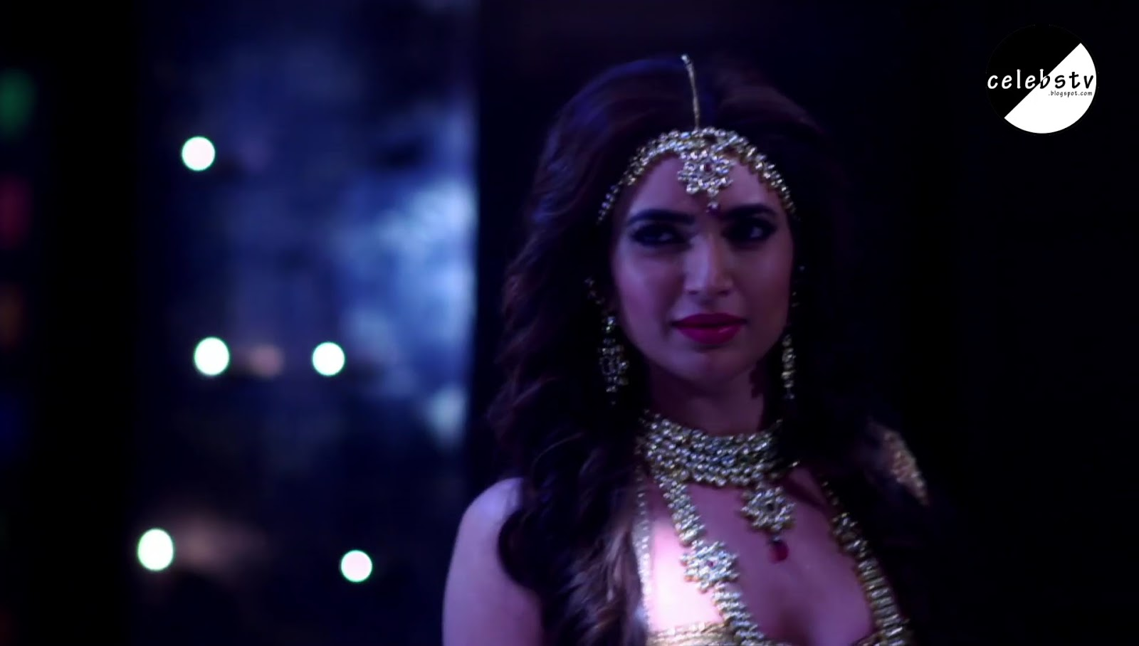 Tv Actress Karishma Tanna Sexy Bare Navel Show - Sexy -8842