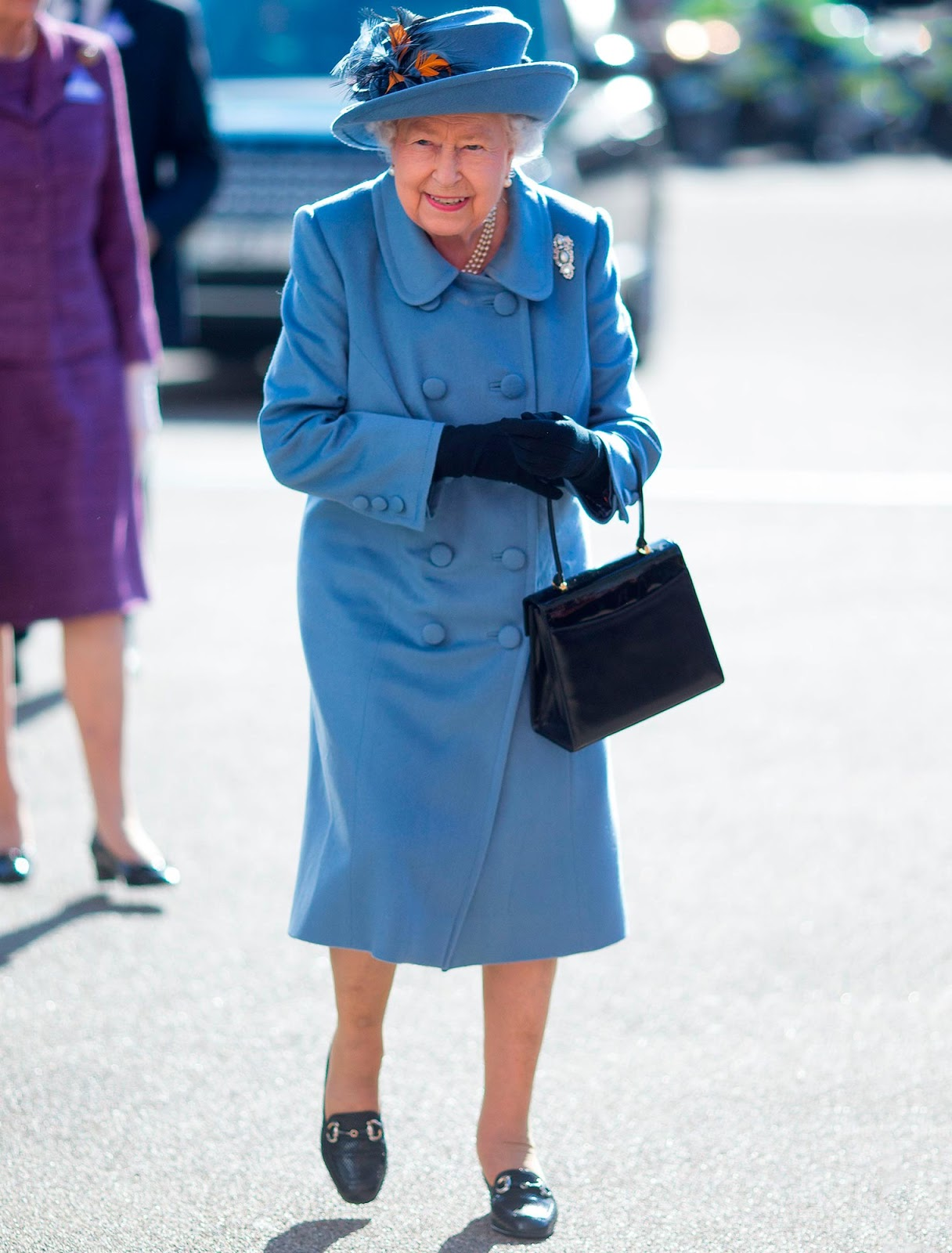 Queen Elizabeth is to self-isolate at Windsor Castle