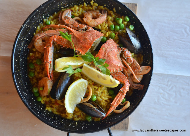 seafood paella at Mr. Crab