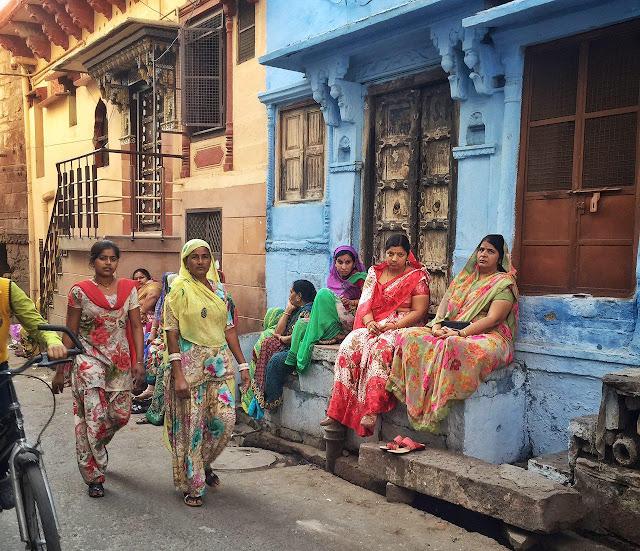 в чем ходят женщины в индии