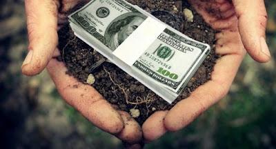 Порошенко подписал закон о продлении моратория на продажу земли до 2020 г