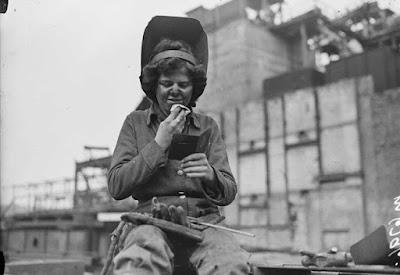 Jembatan Waterloo Di London Ini Dibangun Oleh Wanita