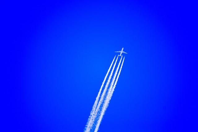 طائرات,طائرات تجارية,طائرة,ارتفاع الطائرة,لماذا تطير الطائرات على ارتفاع شاهق,ارتفاع الطيران,السفر بالطيران التجاري,اكبر طائرة لنقل الركاب,ارتفاع رحلة الطيران,أسرع طائرات في العالم,أسرع 10 طائرات في العالم,مطارات,هل الطائرات القديمة آمنة,طائرة فضائية,طائرات حربية,الطائرات,تخلص الطائرات من الوقود,وقود الطائرات,حوادث الطائرات,طائرات عملاقة,برجي التجارة العالمي,اكبر طائرة فى العالم