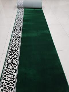 Penjual Karpet Musholla Nganjuk