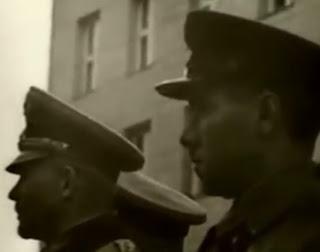 Oficiales sovieticos y alemanes