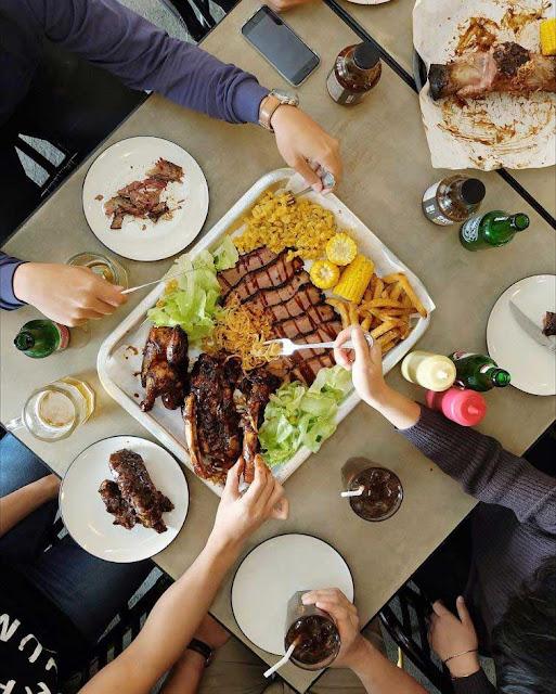 Holy Smokes - Restoran Keluarga di Jakarta