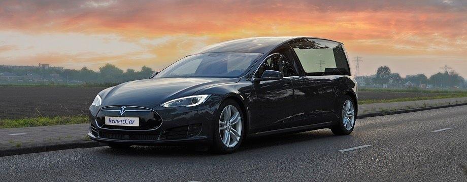 Tesla-Hearse-Model-S-2.jpg