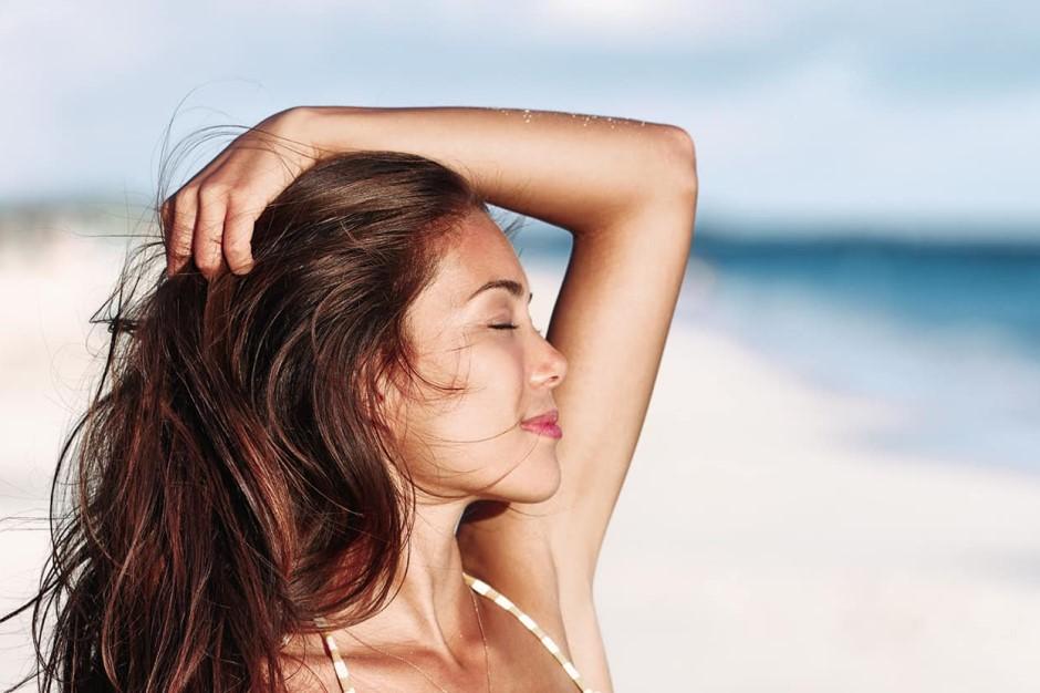 Cân bằng chế độ dinh dưỡng giữ ẩm cho tóc giúp tóc đẹp tạo nét thanh lịch