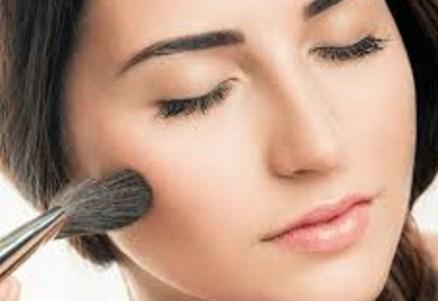 Make Up Sederhana