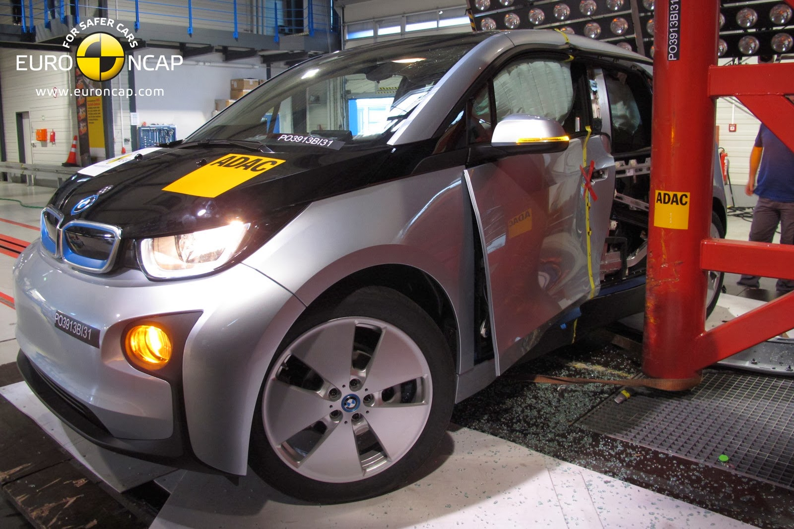 the electric bmw i3 bmw i3 earns 4 out of 5 rating in euro ncap crash tests. Black Bedroom Furniture Sets. Home Design Ideas