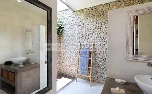 bathroom natural stone