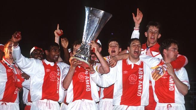 Ajax - 17 participações na UEFA Cup + 8 n Europa League  só em 2 ocasiões  (2009 2010 e 2016 2017) disputou a fase de grupos da prova  melhor  performance foi ... 83c68fb09210c