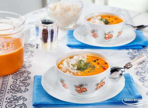 Zupa marchewkowa z soczewicą i ryżem