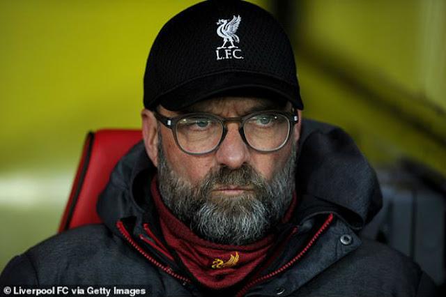 Liverpool thua sốc đội áp chót: Lập kỷ lục tệ như MU, Van Dijk chữa thẹn 3
