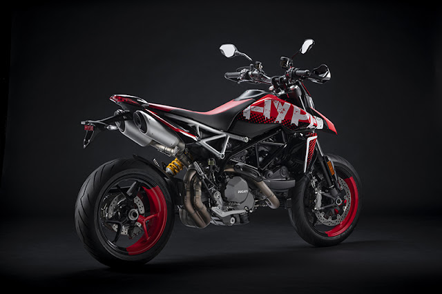 Ducati Hypermotard 950 RVE | First Look Review | Specifications, Price 12Lakh