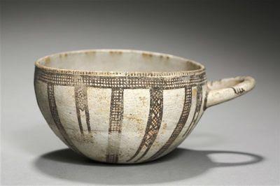 El tipo de bol chipriota del que procede el fragmento fue fabricado en Oriente Próximo entre 1500 y 1200 a.C.