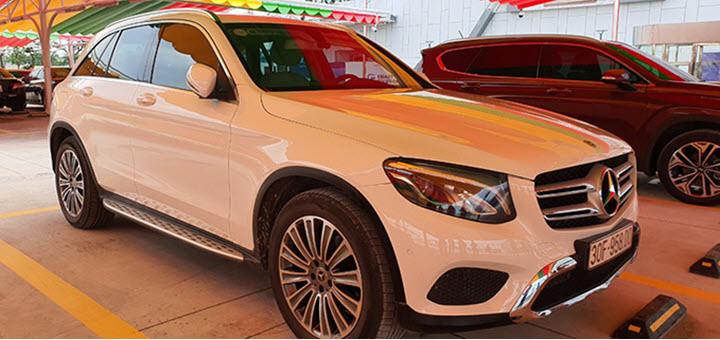 Đại gia Việt đổi Porsche, Mercedes lấy xe VinFast