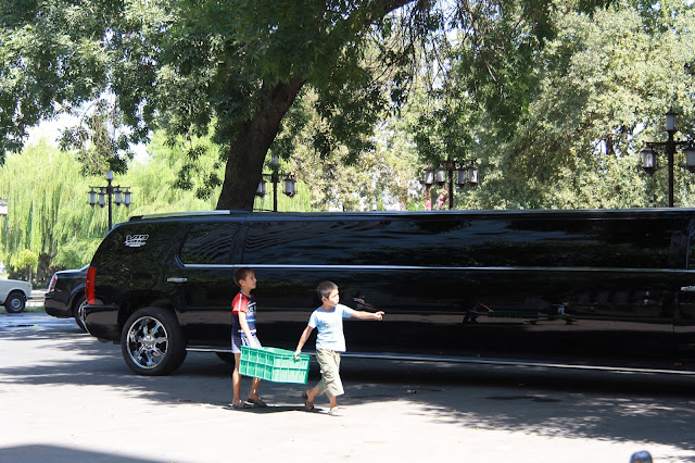 Ouzbékistan, Tachkent, limousine, © L. Gigout, 2012