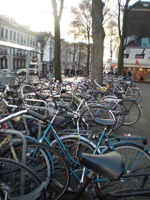 Amsterdam, Guide, Weekend, Rijksmuseum, Anne Frank house, Vondelpark, Jordaan, Dam Square, Rembrandt house museum, The Royal Palace, Bike, Bicycle, cafe, coffee shop, joint, space cake, AFC Ajax, Amsterdam Arena, Ajax stadium, De Wallen, taboo, red light district, canals, barge, venice,