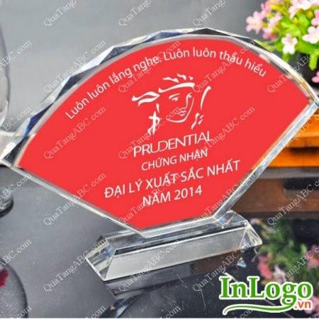 Sản xuất kỷ niệm chương pha lê