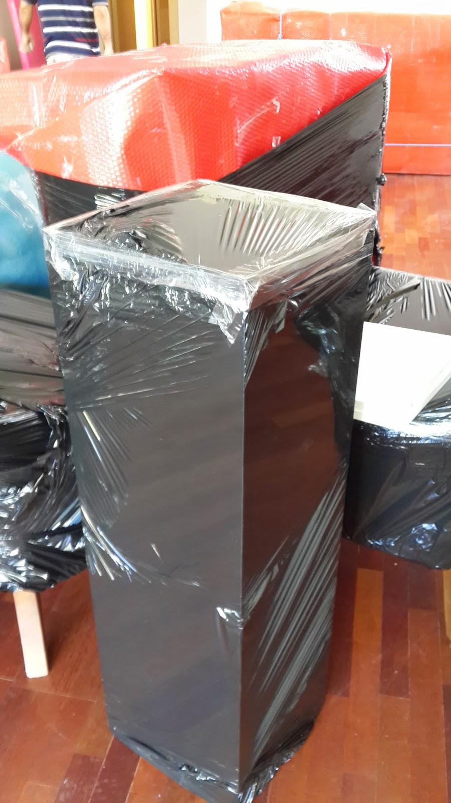 Paketlenmiş Koltuk ve Mobilya Parçaları