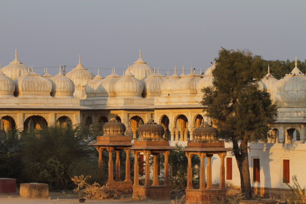 The beautiful Royal cenotaphs of Bikaner at Devikund Sagar