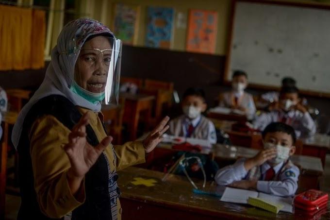 Sekolah Tatap Muka Mulai Juli, Pengamat: Keselamatan Jiwa Anak yang Utama