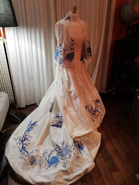 robe de mariée en taffetas de soie peinte à la main