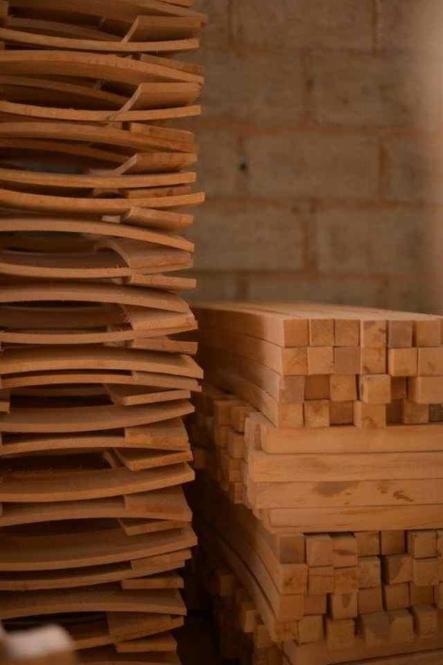 Καρεκλοποιία Τζήμα: Από Τους Πρόποδες Του Ολύμπου Στα Ταβερνάκια Της Μυκόνου - Η Καθημερινή Ενημέρωση Για Την Κατερίνη Και Την Πιερία