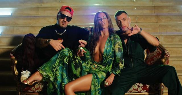 «Grande»: Νέο τραγούδι των KINGS με Κατερίνα Στικούδη και γυρίσματα σε ξενοδοχείο της περιοχής του Ναυπλίου (βίντεο)