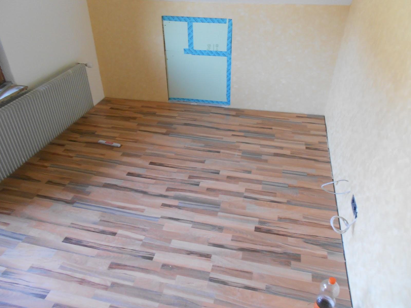 mein h usle laminat in kinderzimmer. Black Bedroom Furniture Sets. Home Design Ideas