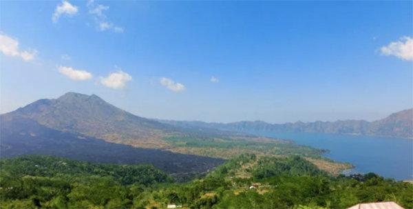 巴厘島人神猴共處的森林與隨時準備噴發的火山