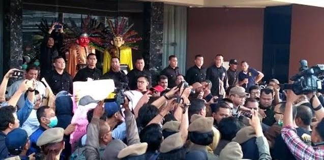 Karyawan Alexis: Kami Dendam, Tidak Akan Pilih Anies Lagi!