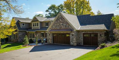 แบบบ้านสองชั้นสร้างจากหิน